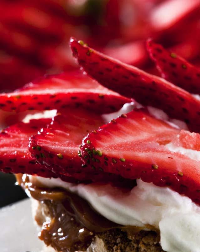 strawberrypavlova-1